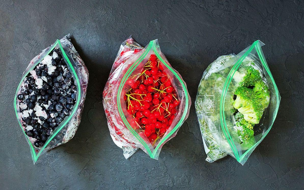zamrznjeno sadje in zelenjava v vrečkah